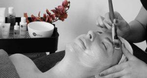 gezichtsbehandeling beautybar by linn